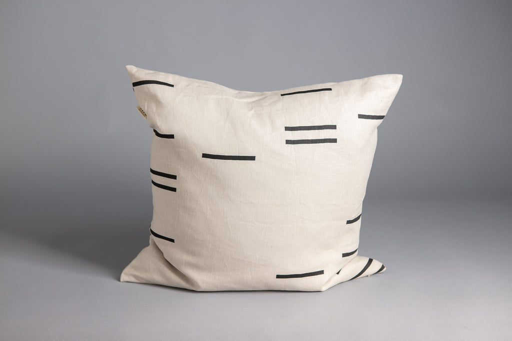 SQUARE CUSHION MODERN GEOMETRY CLAY & BONE