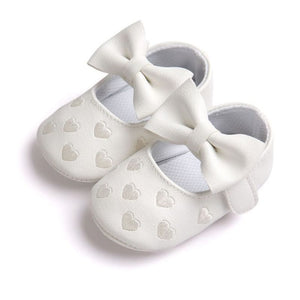 Queen of Hearts Leather Mary Janes, White, 5.5 - CeCe & Jax