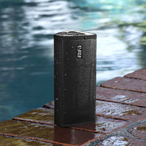 okeegadgets-portable-water-resistant-bluetooth-speaker-black-pool-side