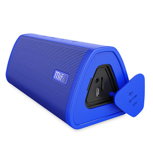 okeegadgets-portable-water-resistant-bluetooth-speaker-blue-color-on-white-background