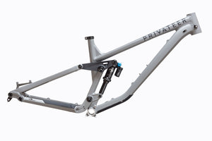 Privateer 141 Frameset in charcoal grey