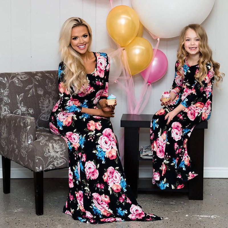 2b753f767a56 ... Mother Daughter Dresses Floral Maxi Long Mom And Daughter Clothes  Family Look Mommy and Me Clothes