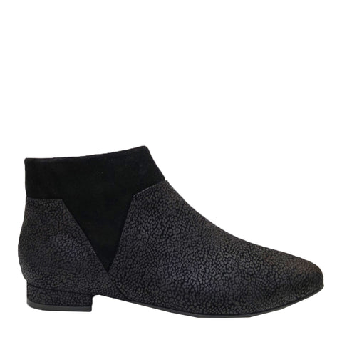LAINEY - BLACK LEO MATT PRINT SUEDE