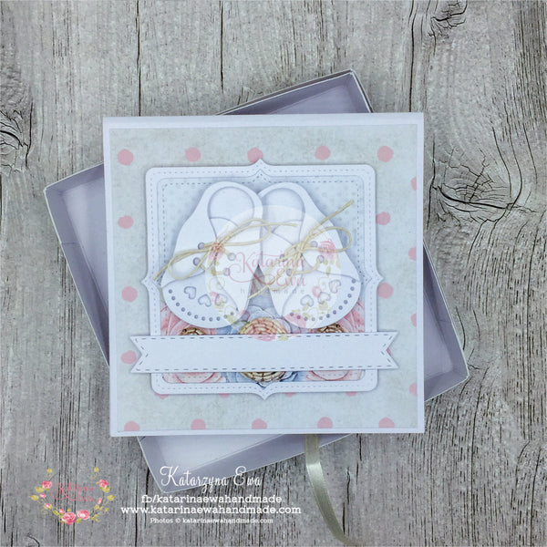 Kartka z bucikami | Baby card in the box c14b29
