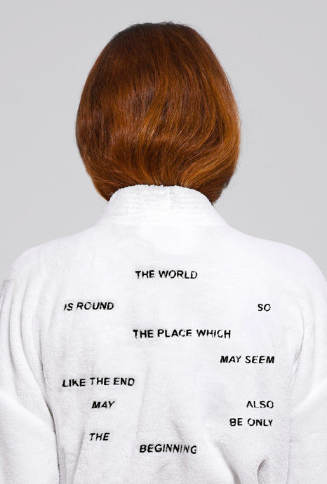 THE WORLD IS ROUND ROBE