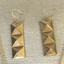 Load image into Gallery viewer, Pyramid Jewelry Set