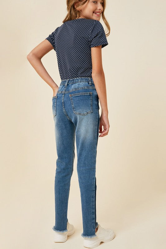 STONE WASHED FRAYED ANKLE JEAN