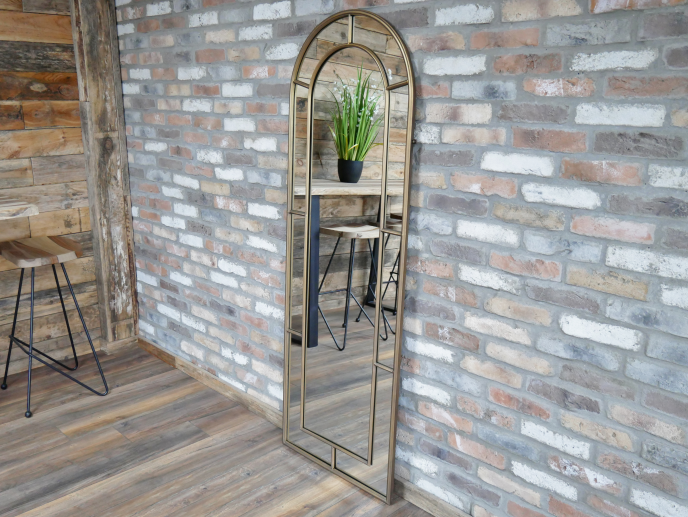 Metal Pipe Curved Top Mirror