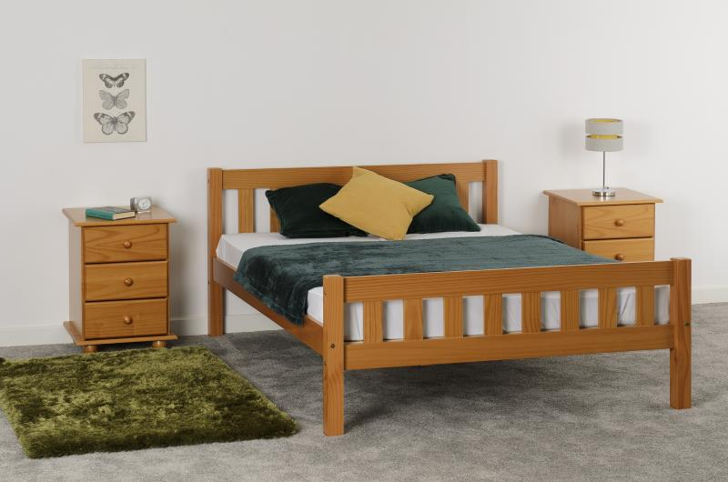 "Carlow 4'6"" Bed in Antique Pine"