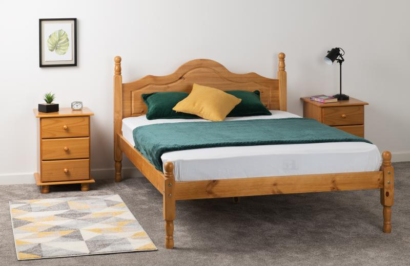 Sol 4' Bed in Antique Pine