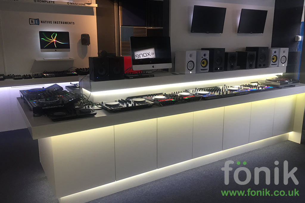 fonik dj and music production furniture