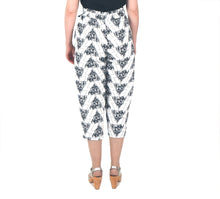 Load image into Gallery viewer, Vietto Wildflowers linen trousers