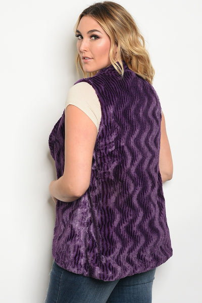 Plus size faux fur vest.