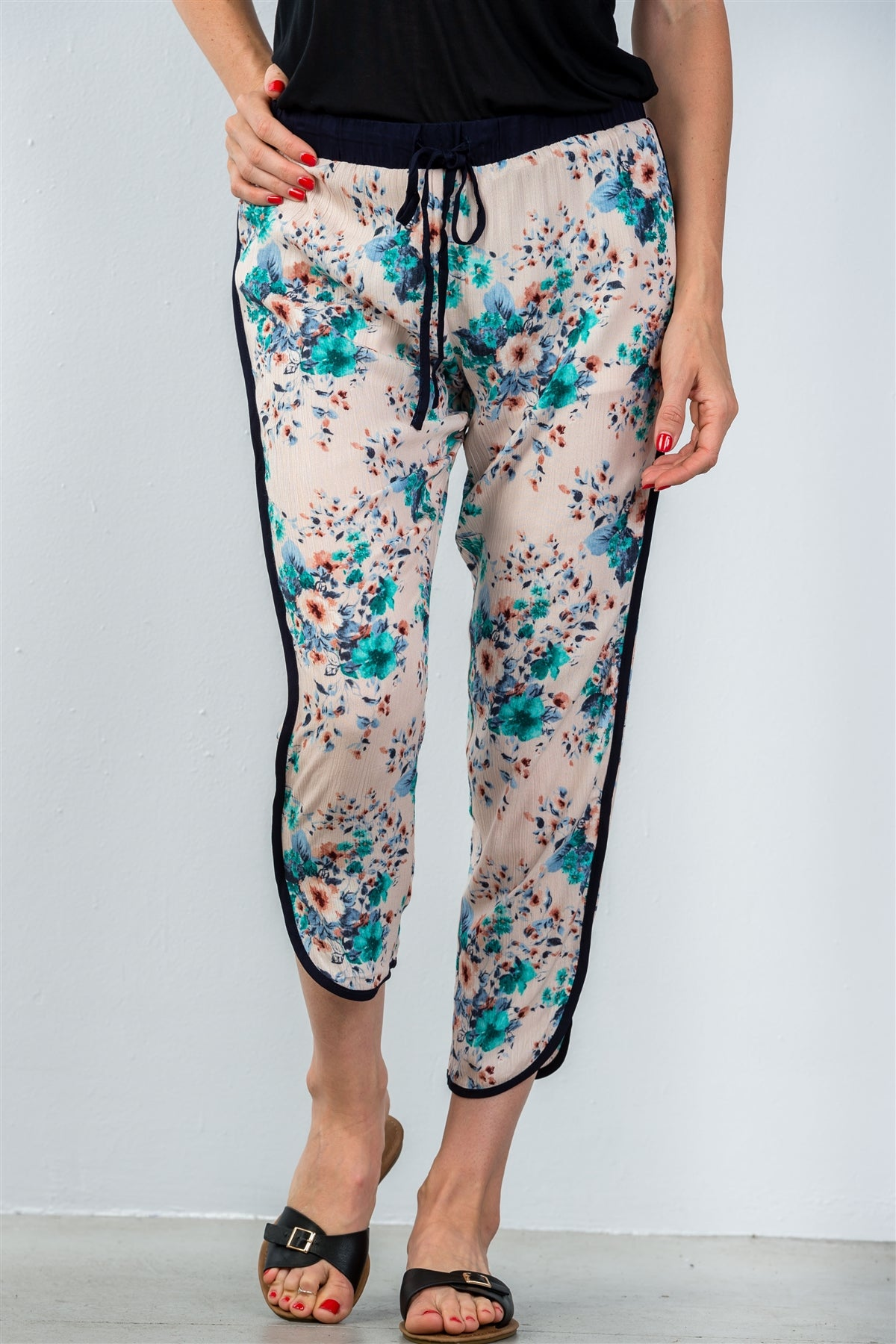 Ladies fashion drawstring blush floral printed contrast trim casual pants