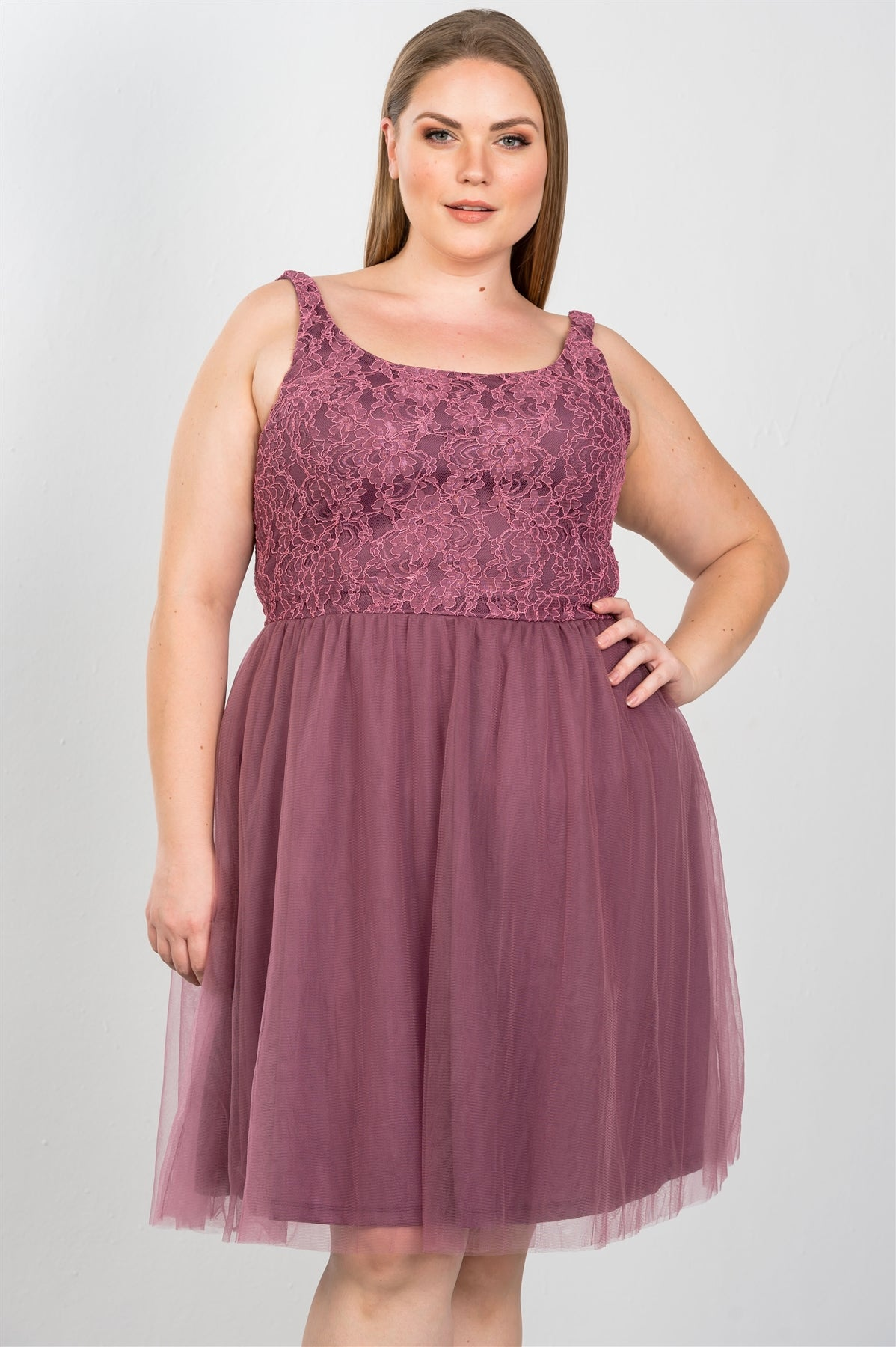 Ladies fashion plus size lace top midi dress with tulle skirt