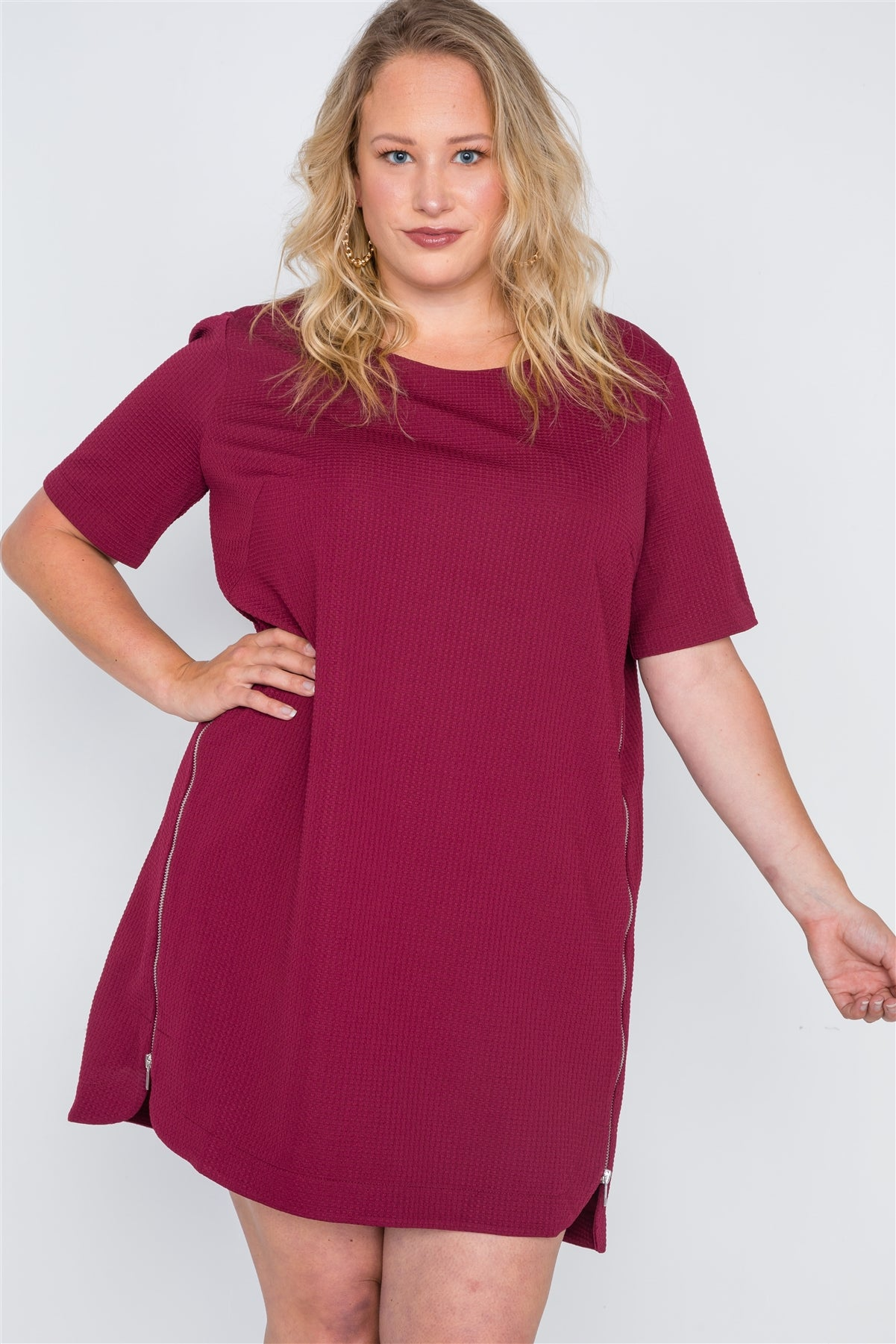 Plus Size Burgundy Textured Short Sleeve Dress