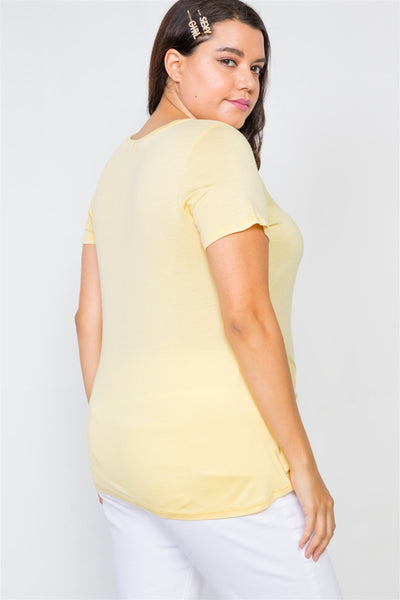Plus Size Solid Front-twist Short Sleeve Top