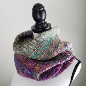 045 Cowl | Purple Green Earth