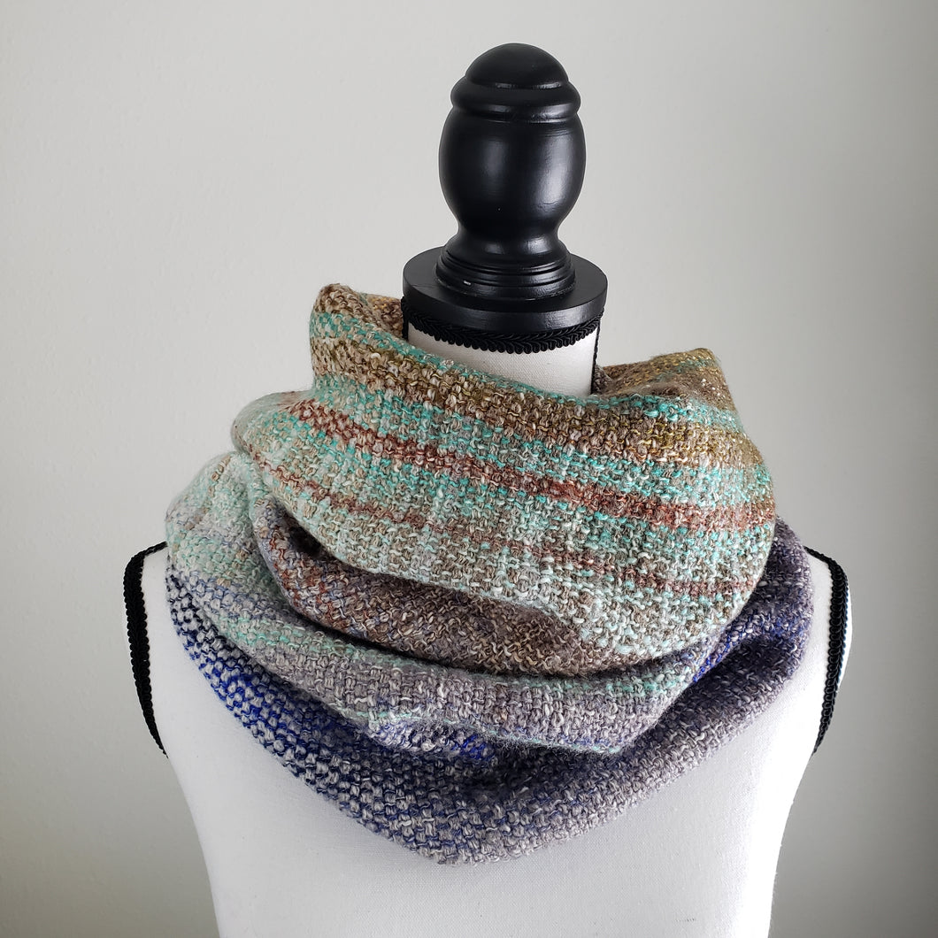 049 Cowl | Blue Gray Earth