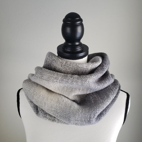 015A Cowl | Grey Gradient