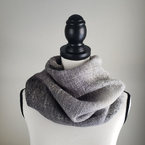 015B Cowl | Grey Gradient
