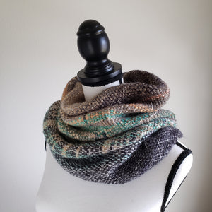 076 Cowl | Grey Green Earth
