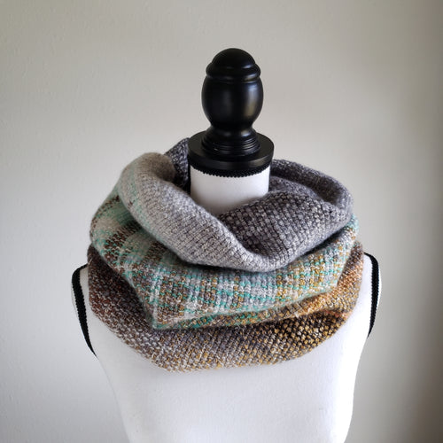 075 Cowl | Grey Green Earth