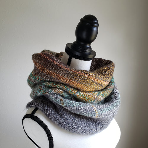 074 Cowl | Grey Green Earth