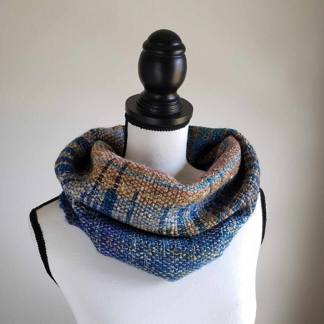 068 Half Cowl | Blue Earth