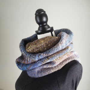 086 Cowl | Blue Gray Earth