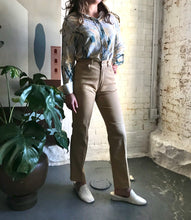 Load image into Gallery viewer, Vintage Gloria Vanderbilt Tan Semi-Flare Denim