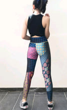 Load image into Gallery viewer, Floral Statement Leggings