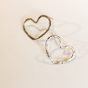 Luxe- Tiny Heart Stud Earring