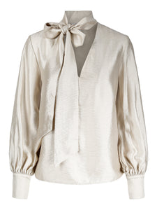 You added Ava Blouse Cream to your cart.