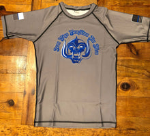 Load image into Gallery viewer, Grey Short Sleeve Iron Pigs Rashguard