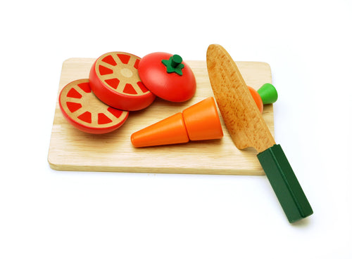Sliced tomatoes and carrots set featured in the woody puddy set