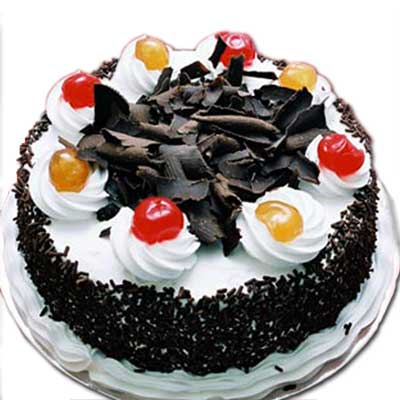 round shaped back forest cake with beautiful design on it to gift someone - Expressluv.in