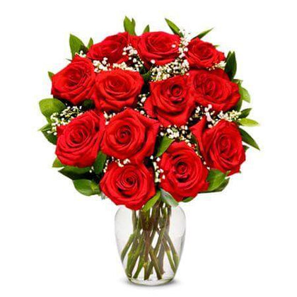 Beautiful Valentine Roses 12 - One dozen Red Roses in a vase - USA