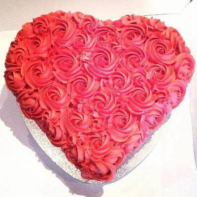 Love Shaped Flower Cake
