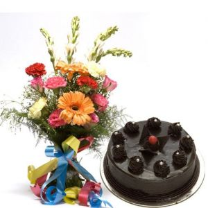 chooclate cake and gerberas, order chocolate cake onlien with bouquet, best gifts combo for valentine