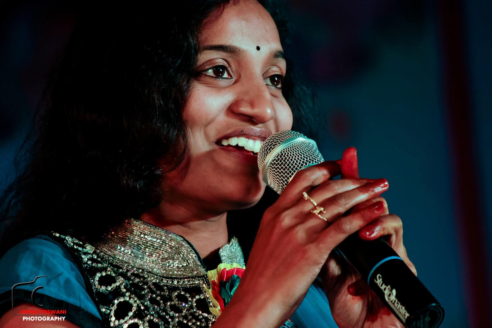 Surprise Video Call from Singer Sahithi - Book Now