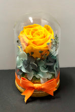 Le Petit - Lady Flo'rae - Unique gift handcrafted with preserved flowers