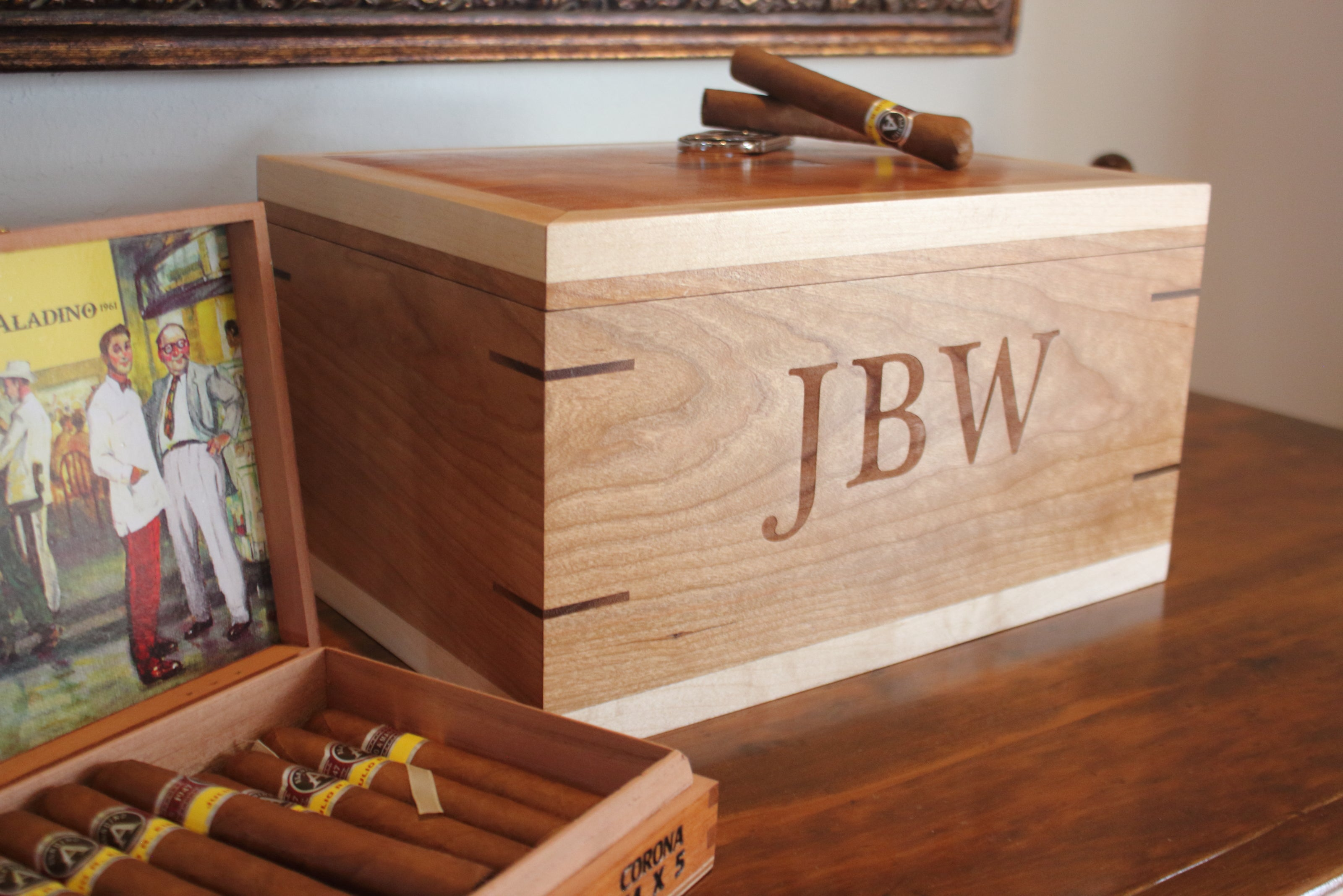 the muneca custom humidor