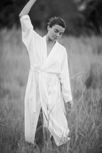 Load image into Gallery viewer, Miranda Kimono PLAIN - Unisex