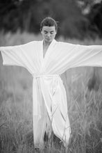 Load image into Gallery viewer, Miranda KIMONO - off white (cotton) - unisex