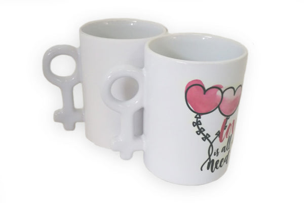 "Taza ""Love is all you need"" Género Femenino"