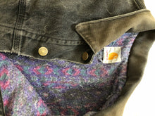 Load image into Gallery viewer, Distressed Carhartt Jacket