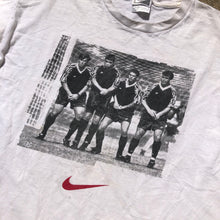 Load image into Gallery viewer, 90s Nike soccer t shirt