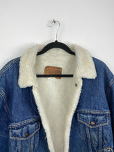 Load image into Gallery viewer, 90s Sherpa lined denim jacket