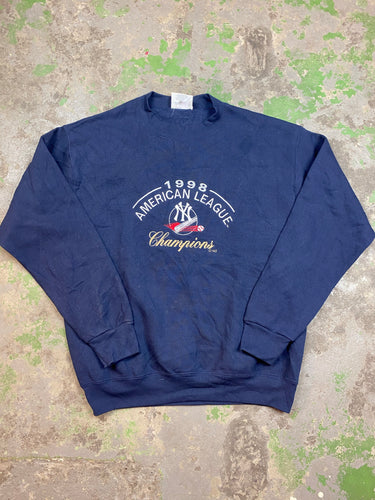 Embroidered Yankees crewneck